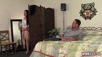 Японочка с крупным бюстом мастурбирует пальчиком намокшую пизду на камеру