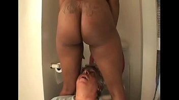 Блонда с брюнеткой насладились сногсшибательным сексом